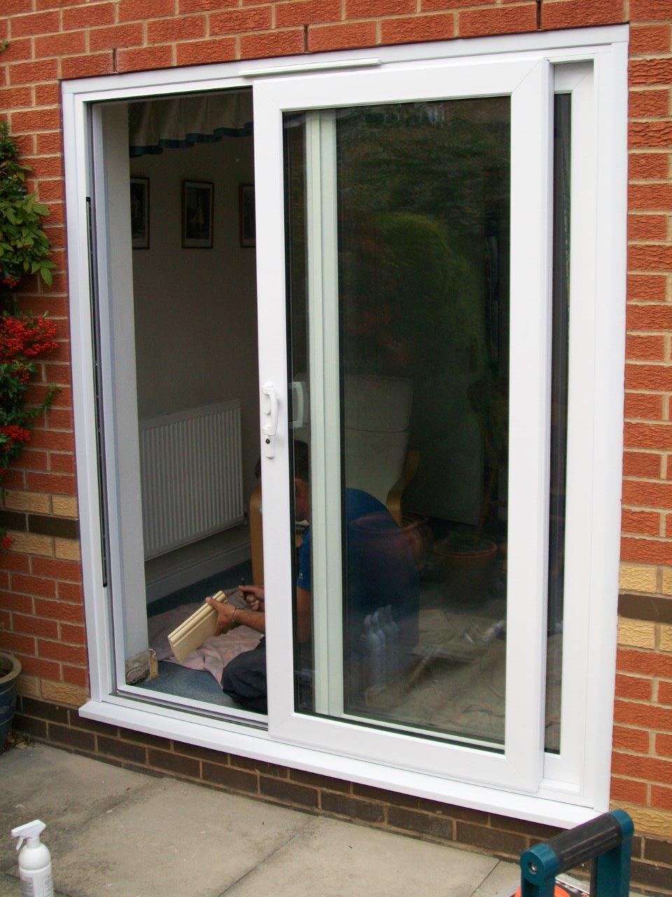 Sliding Patio Doors vs Bi-fold Doors -Which Ones To Choose?